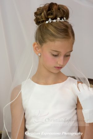 First Communion Veil with Pearl Edge Trim Single Tier