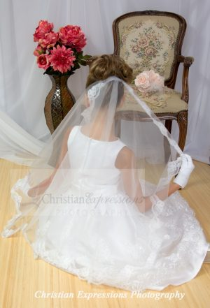 White Lace First Communion Mantilla for Girls