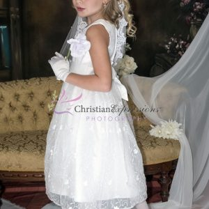 Designer Quality Sleeveless Embroidered Lace First Communion Dress size 12