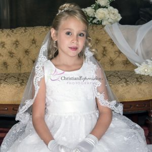 Designer Quality Sleeveless Embroidered Lace First Communion Dress size 6