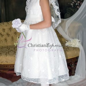 Designer Quality Sleeveless Embroidered Lace First Communion Dress size 8
